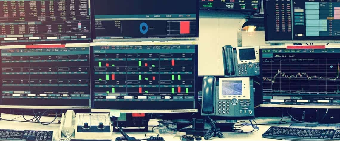 Display of stock market quotes and chart in monitor computer room